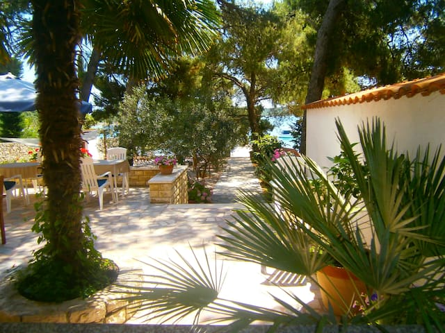 Beach Bed&Breakfast Villa, Breakfast Included - Pirovac - Bed & Breakfast