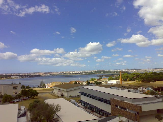 Amazing view over the river &Lisbon - Seixal - Departamento