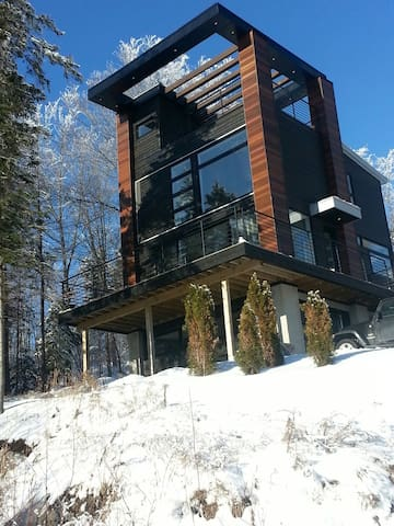 Contemporary chalet with views  - Saint-Adolphe-d'Howard