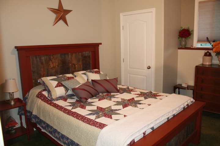 Canyon Gardens Bed and Breakfast R2