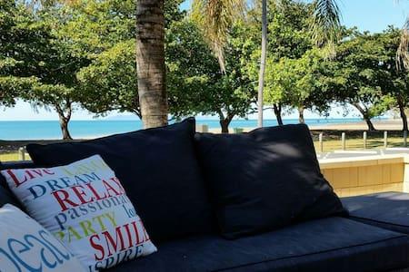 Beach side Paradise  - Eimeo - 獨棟
