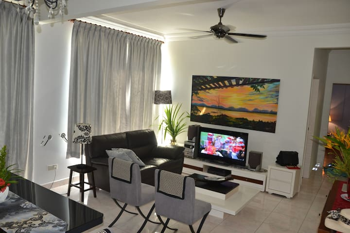 3 bedroom fully furnished beach front apartment - Papar - อพาร์ทเมนท์