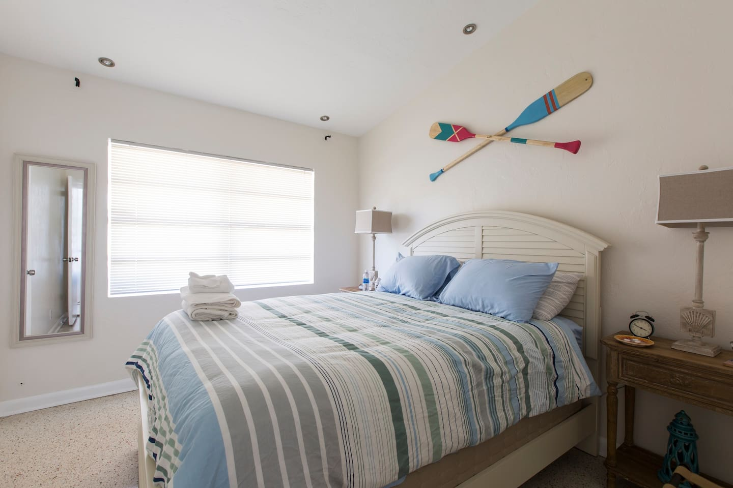 Your room. Top quality Tommy Bahama mattress with mattress protector, luxurious duvet and comfy pillows, luggage stands and alarm clock provided as well.
