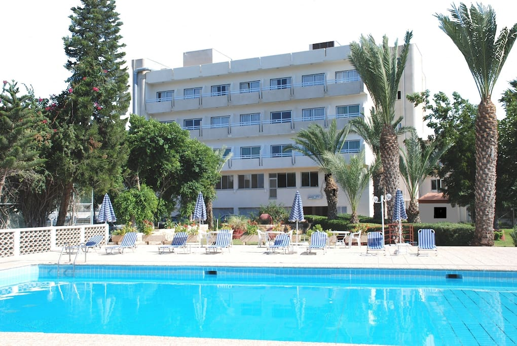 paphos divorced singles Louis phaethon beach: average 3 star hotel - see 5,336 traveler reviews, 2,737 candid photos, and great deals for louis phaethon beach at tripadvisor.