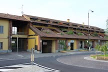 cascina vista dalla strada