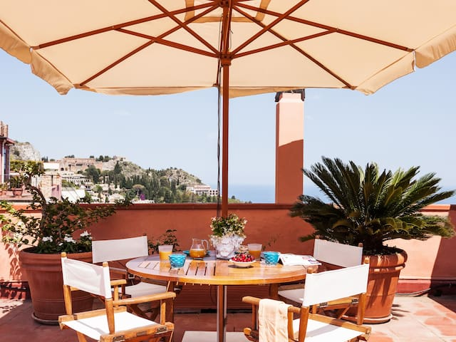 San Domenico Apartment with terrace in Taormina.