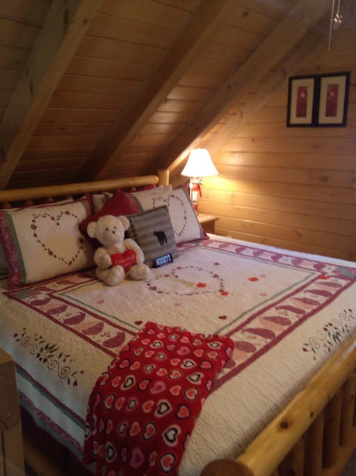 KING SIZE PLUSH BED WITH ROSE PEDALS