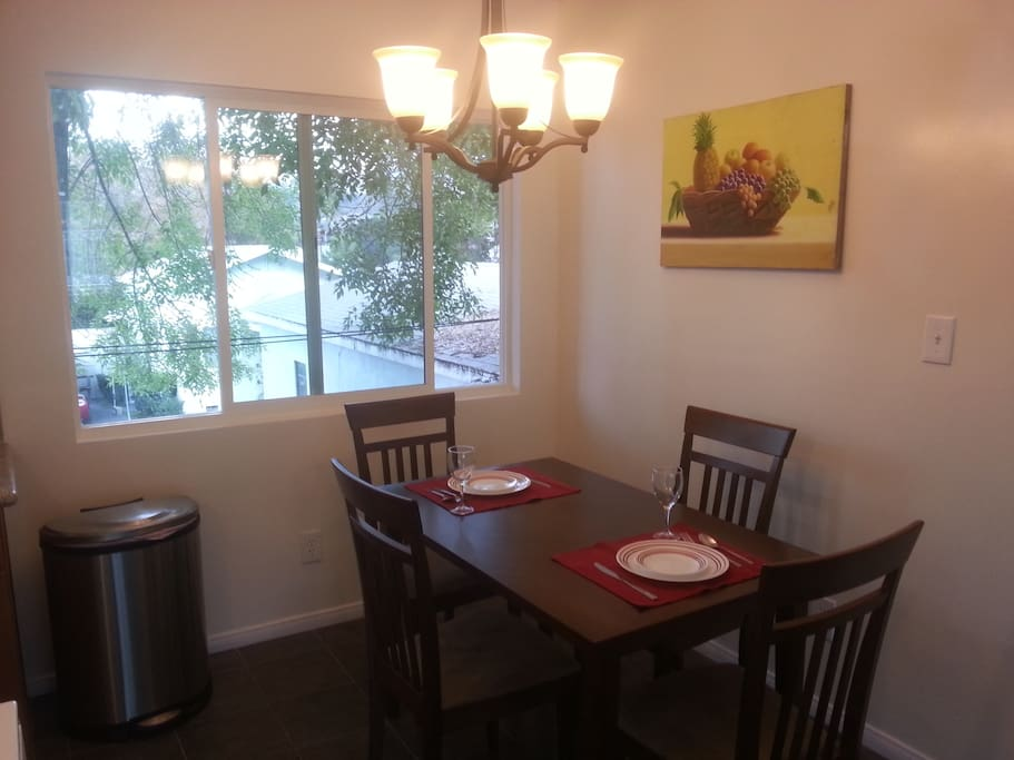 Inviting renovated 2 bedroom apartment apartments for - 2 bedroom apartments los angeles ...