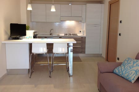 New flat a few steps from the beach - Mazzeo - Wohnung