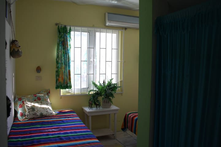 Twin beds tropical island paradise