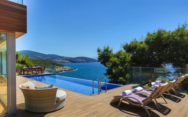 Deluxe Villa with Private Pool - All Inclusive - Kuşadası - Huvila