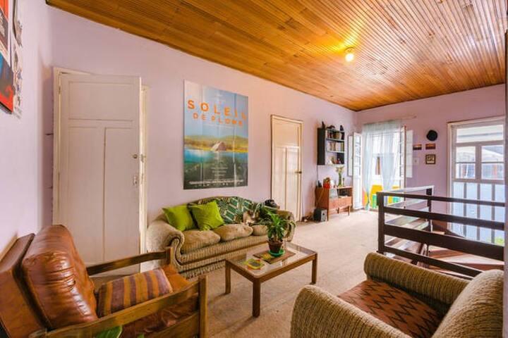 Confortable habitación en magnífica ubicación - Bogotá - Casa
