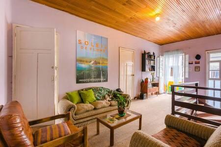 Confortable habitación en magnífica ubicación - Bogotá - House