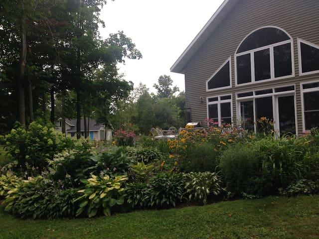 Art House on Upper Island Lake - Cromwell - Casa