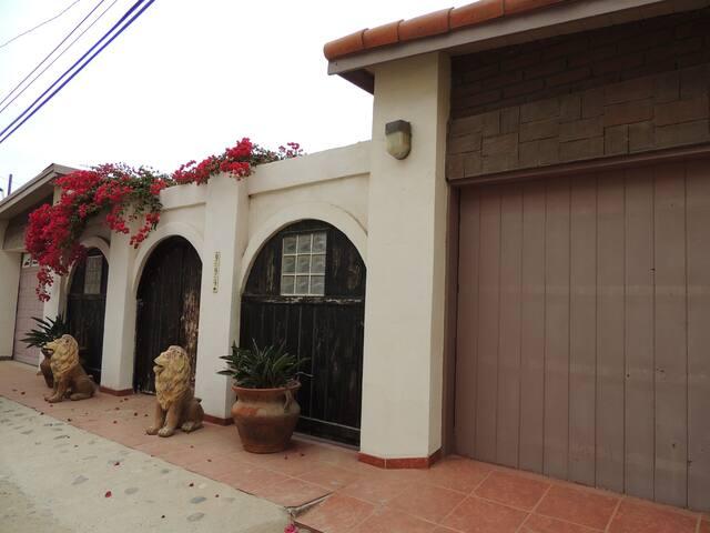Casa Leon - San Antonio del Mar