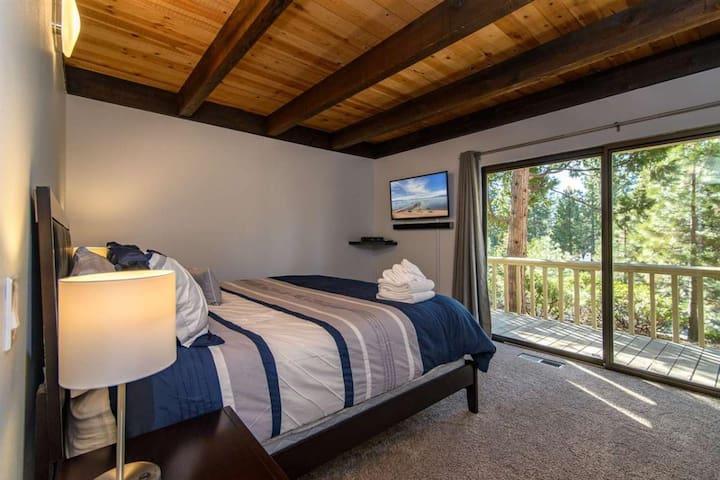 Second 1st floor bedroom with access to outdoor deck
