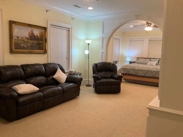 Luxury Suite in custom home w/ all the Extras!!!