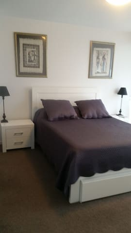 SOHO Apt Central Geelong Private Bedroom Ensuite Apartments - Bedroom furniture geelong