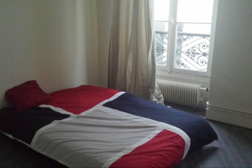 Chambre louer paris montmartre apartments for rent for Chambre a louer paris etudiant