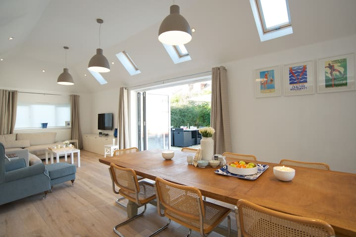 LUXURY Seaside Cottage West Sussex - East Preston - Hus