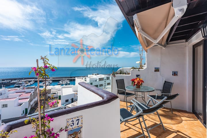 Dolphin 2 Bed apt with sea views w/pool in PdC