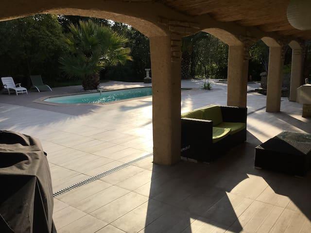 Villa de plain pied de 130m2 proche Frejus - Le Muy - Casa