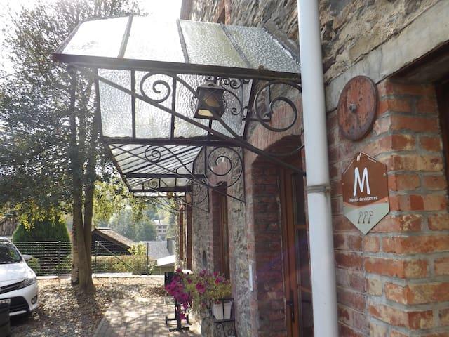 Charmant, ruim Ardens vakantiehuis  - Vresse-sur-Semois - Ev