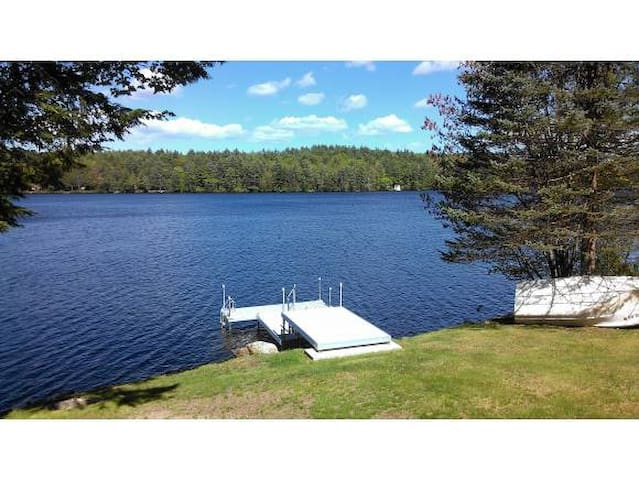 LAKEFRONT/SKI VACATION HOME RENTAL - Sutton - Hus