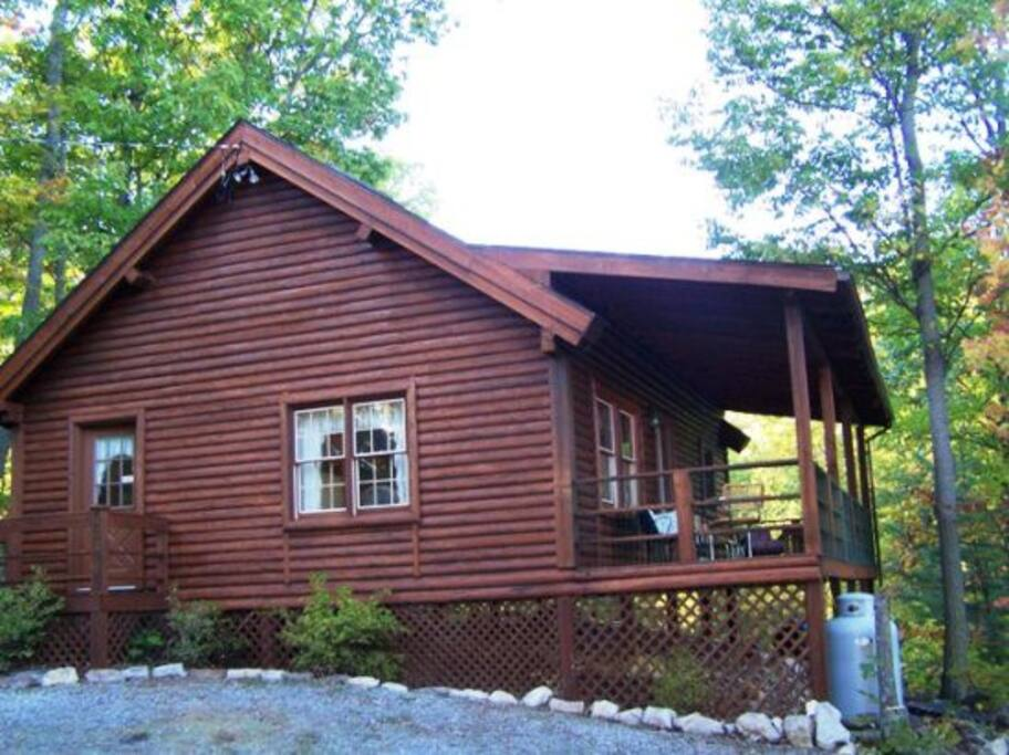 Browns log cabin cabins for rent in luray virginia for Cabin rentals near luray va