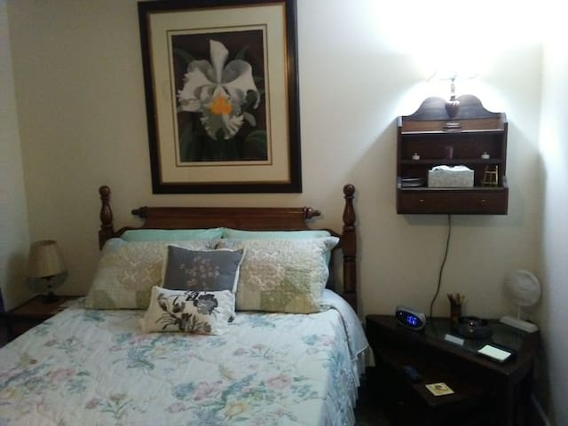Queen bed and End tables