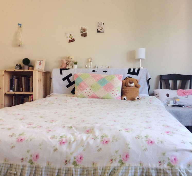 Colorful bed with muji bookcase