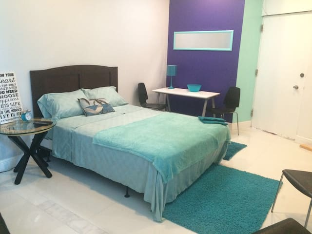 Blue Condo Loft - North Miami Beach - Apartamento