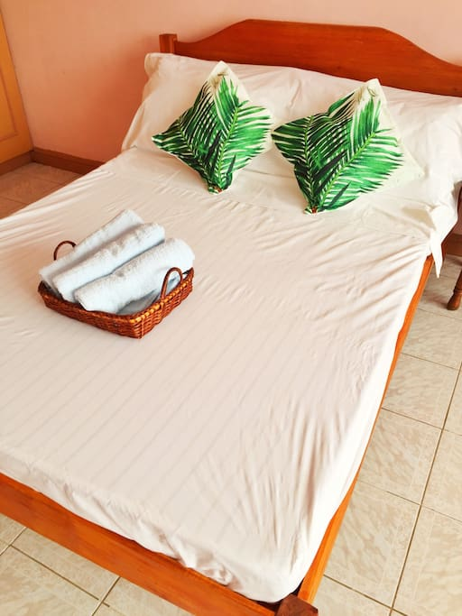Bed 1 fits 2 persons comfortably