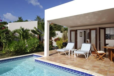 Fantastic 2 bedroom villa, minutes away from Meads Bay - Meads Bay