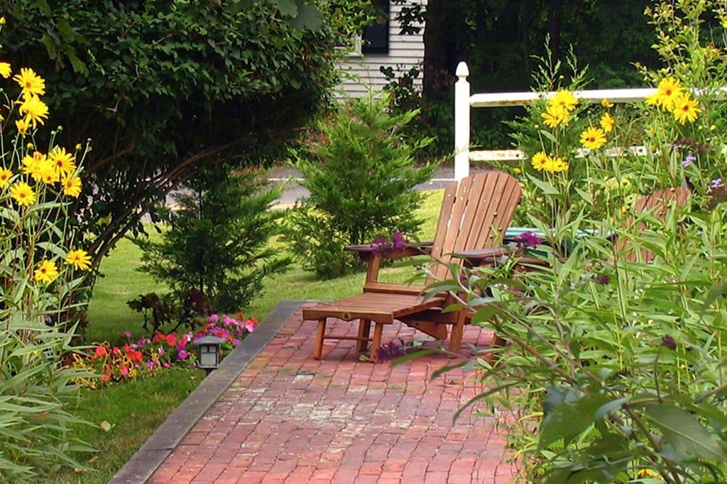 Beautiful gardens at the Shady Hollow Inn.