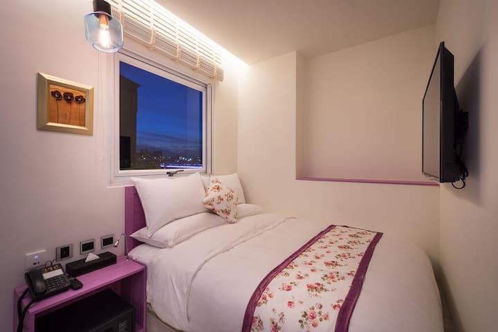 「大稻埕花園旅店」 喜悅雙人房 Joy Double Room