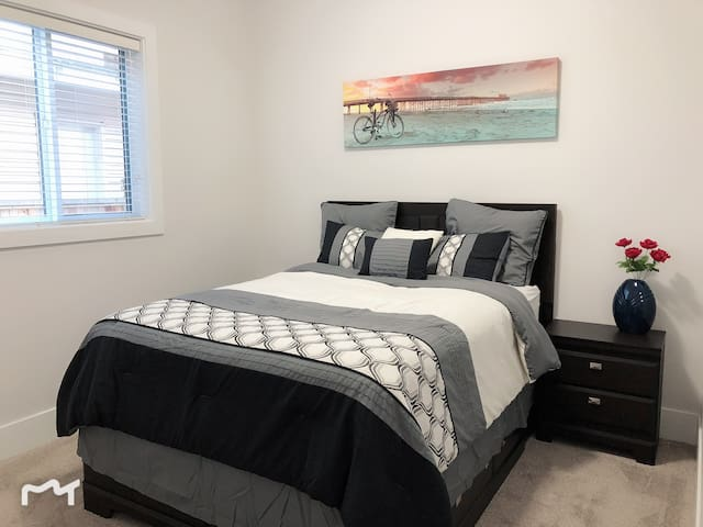 Master bedroom queen size bed with luxurious Eurotop mattress