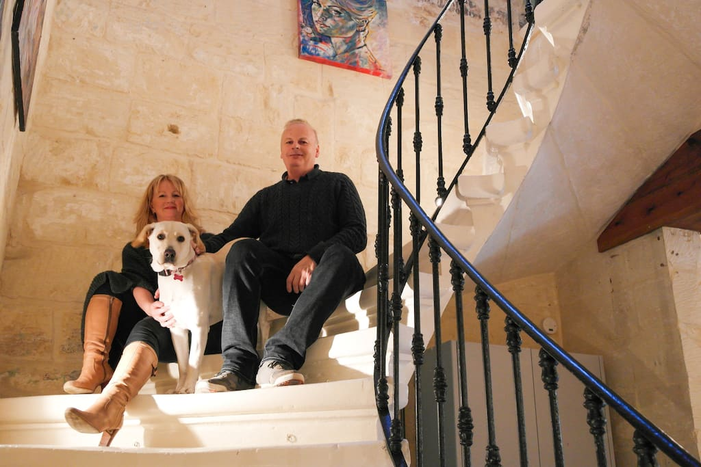 Your Hosts Julie, Glen & Roxy our friendly family Labrador welcome you and are hear to make your trip in Malta just perfect.