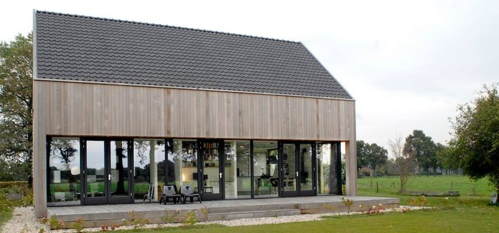Moderne villa in het buitengebied - Okkenbroek