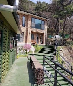 소나무향이 가득한 집(독채 : 1층+2층)