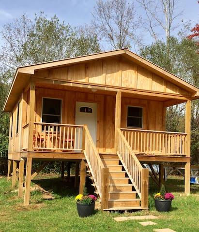 Honeybee Cabin on Stardust Farm