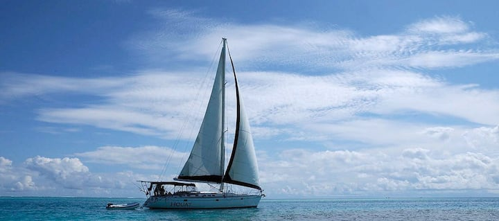 Houat Sailboat Los Roques, sailing in paradise
