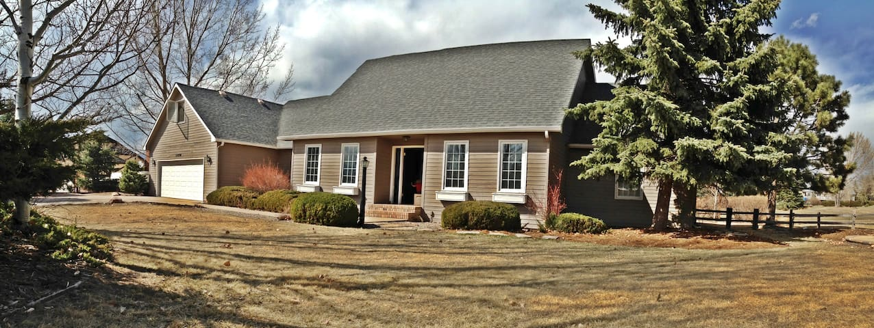 Large Family Home for AFA Grad Week - Colorado Springs - Huis
