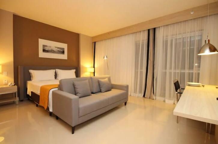 ⛱ RIOUPcom | Barra da Tijuca Flat c/serviço quarto