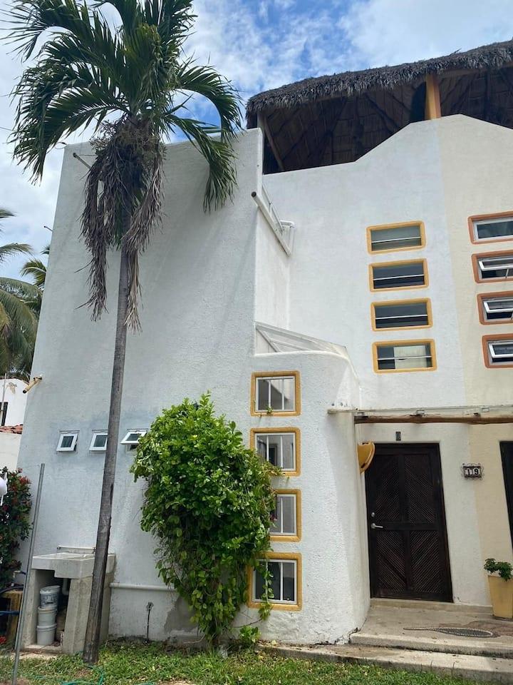 Casa en Barra de Navidad a 100 mts de la playa