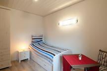 Modern ausgestattetes Einzelzimmer