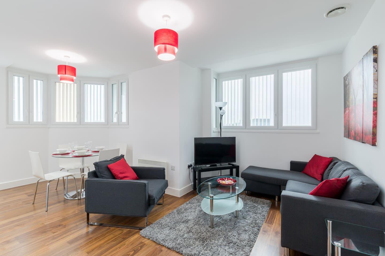 Cozy Open  Plan Living space