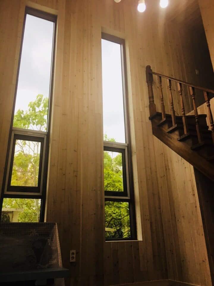 [함덕중앙비치 차로 5분]천장 높은 복층 / 구15평대 / 조용한 단독주택