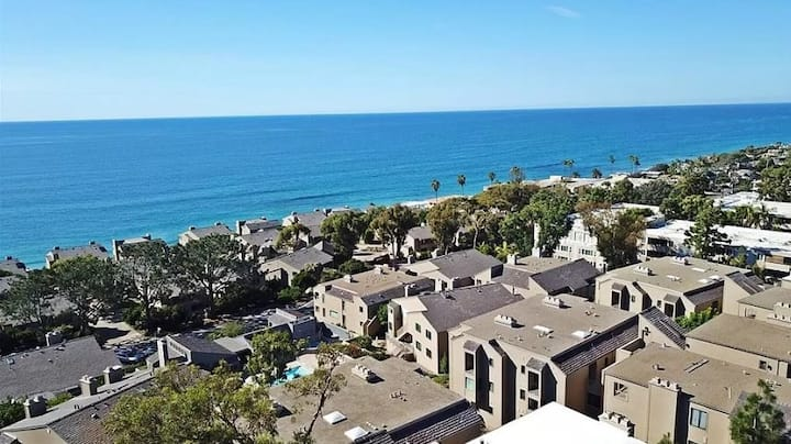 Ocean View Condo with Pool, Spa, Gym, & Tennis