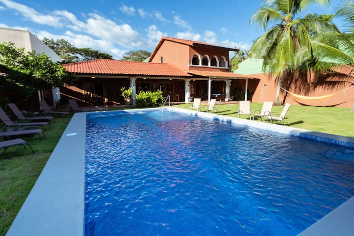 Very Private Hacienda 16p for MULTIFAMILY & GROUPS